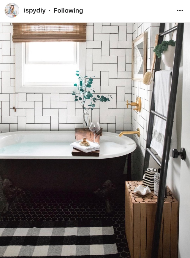 How To Style Your Blanket Ladders In The Bathroom