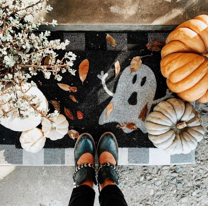 Halloween doormat Halloween decor trends