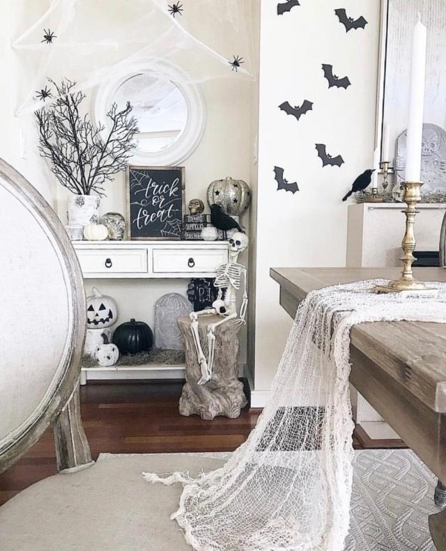 Halloween decor trends flying paper bats