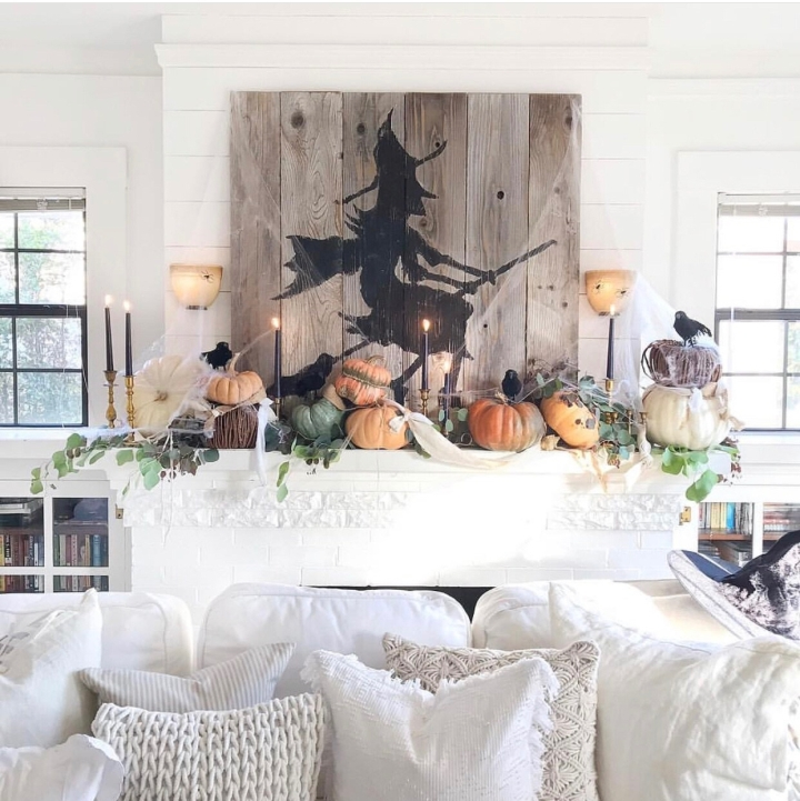 Halloween decor trends flying paper bats Halloween mantle