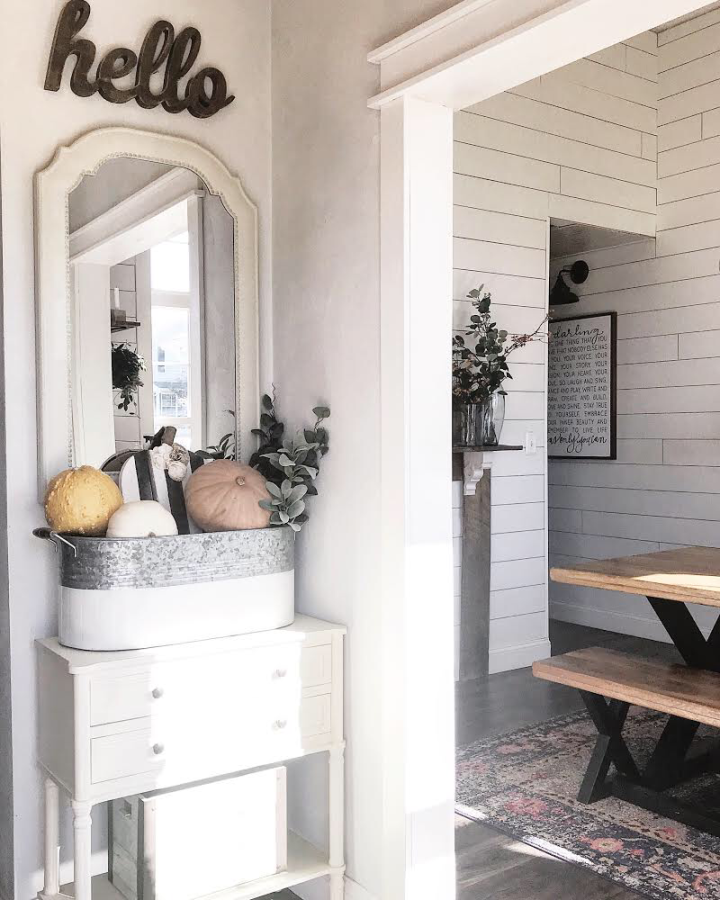 Modern Farmhouse entry