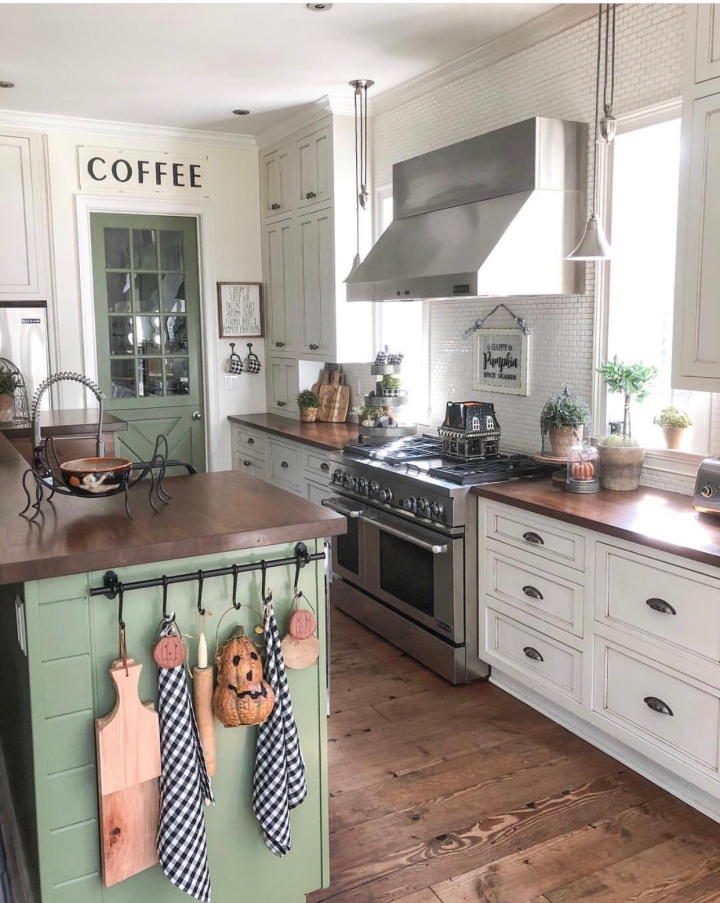 Modern farmhouse Green Kitchen Fall farmhouse