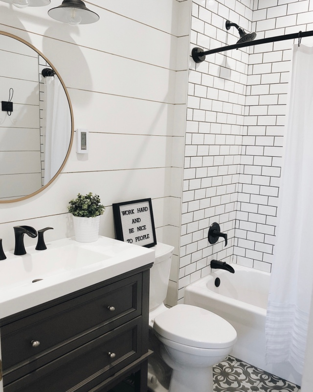 Modern farmhouse bathroom home decor
