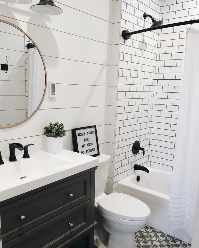 Modern farmhouse bathroom home decor
