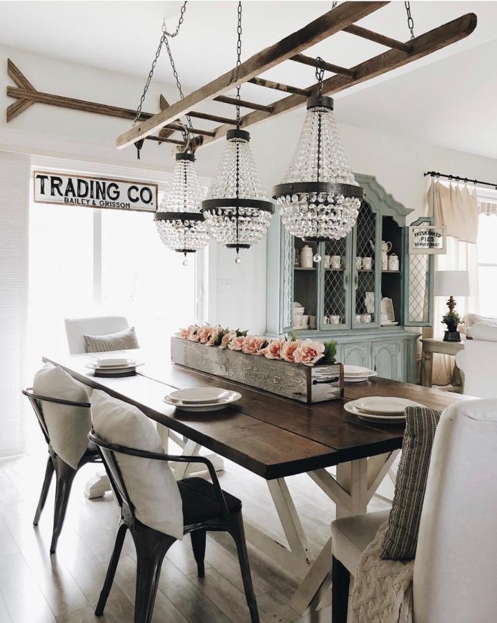 Modern farmhouse home decor dining room