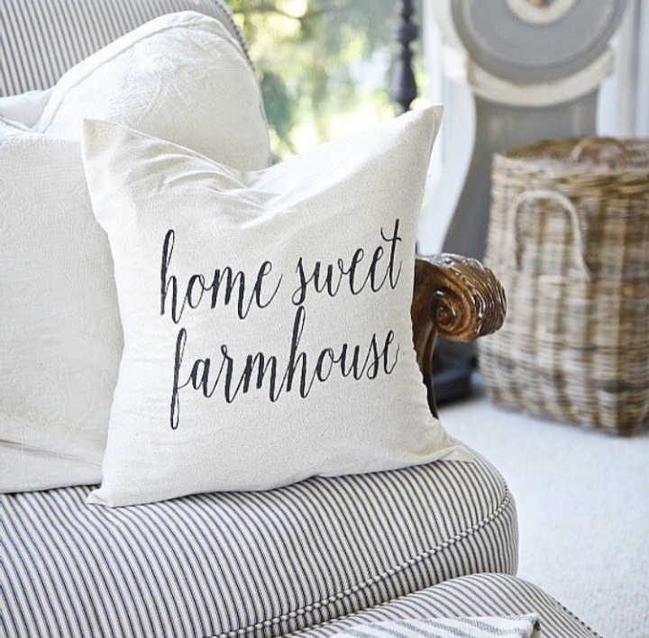 Home Sweet Farmhouse Pillow // Thow Pillow // Farmhouse PillowCover Joanna Gaines Liz Marie